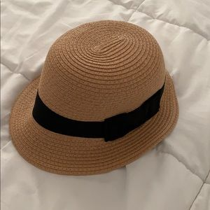 Accessories - Straw Hat with Ribbon